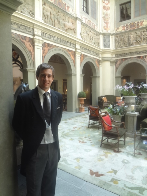 Andrea, le concierge dans le hall © GP