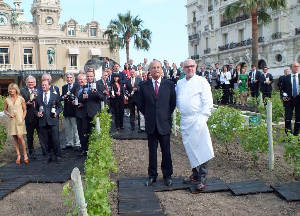 Jean-Luc Biamonti, Alain Ducasse et les propriétaires de châteaux © Alain Angenost