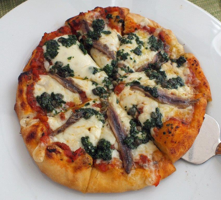 Pizza aux anchois et pistou © AA