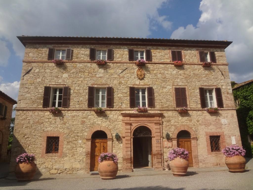 Un palais au village © GP