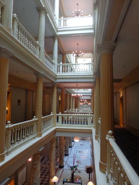 Galerie et couloirs en étages  © GP
