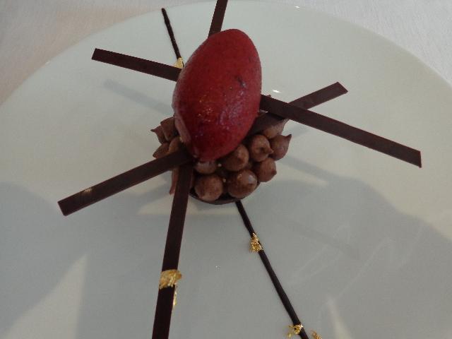 Vacherin glacé cacao et mûres © GP