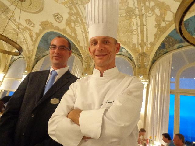 Patrice Vander et le maître d'hôtel © GP