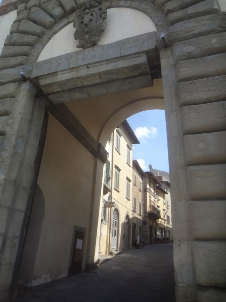 Entrée dans la vieille ville © GP