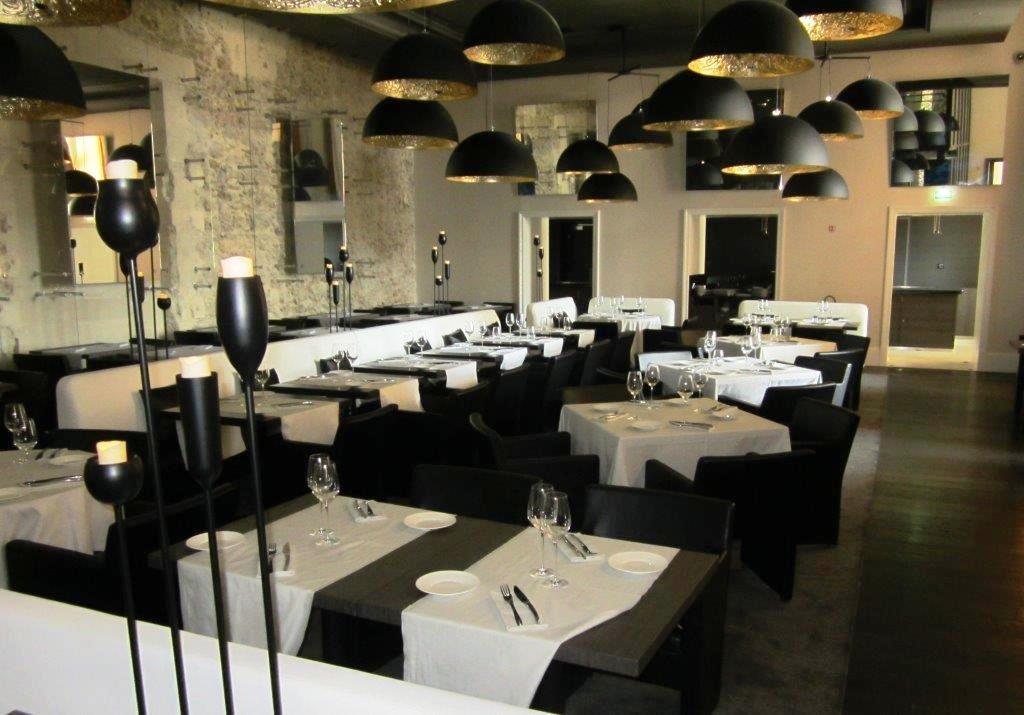 Les Fenêtres à Lintercontinental Marseille Hôtel Dieu Restaurant