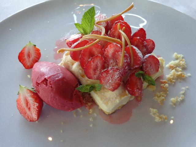 Sablé breton et crémeux citron aux fraises © GP