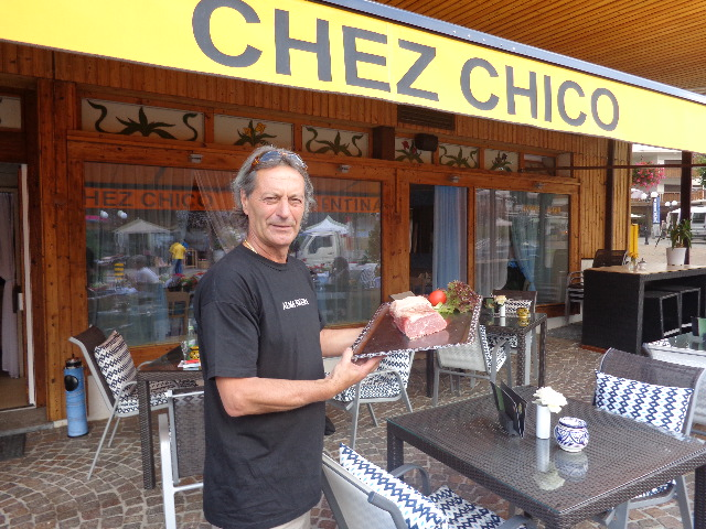 "Chico et son ""bife"" ©GP"