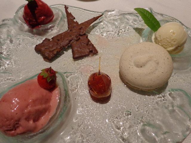 Glaces, sorbet et macaron © GP