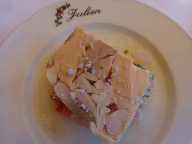 Pressé de volaille au foie gras © GP