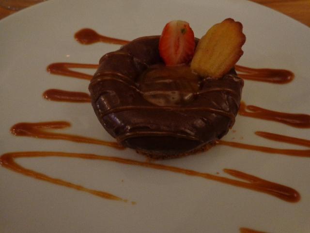 Craquant noisettes, ganache au chocolat ©GP