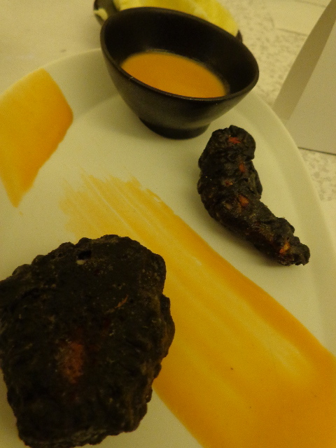 Pince de homard en tempura, laque de carapace en bisque © GP