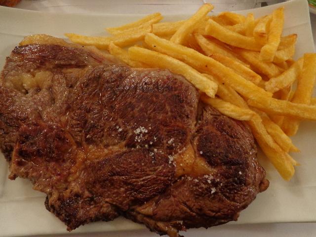Entrecôte, frites © GP
