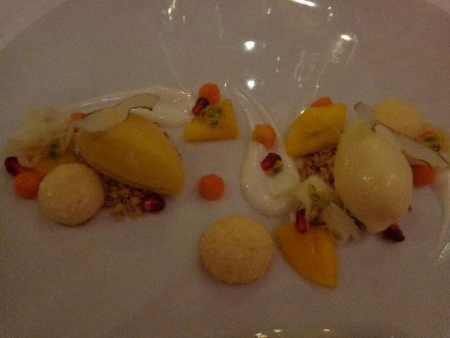 Meringue aux fruits exotiques © GP