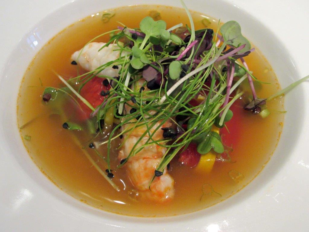 Langoustines en bouillon thaï ©AA