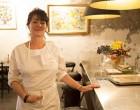 Virginie Mustel en cuisine © Maurice Rougemont