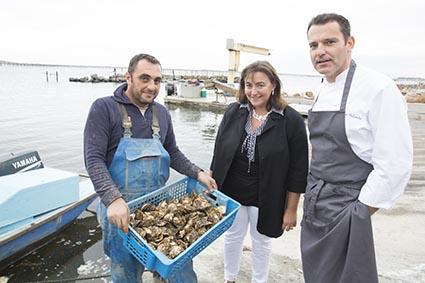 Les huîtres, l'accueil et le chef © Maurice Rougemont