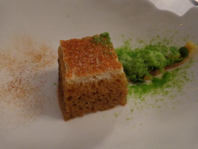 Mouillette de pain aux jus de cèpes et neige de persil© GP