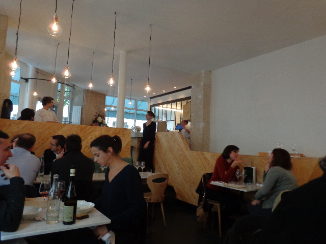 Le Caillebotte Restaurant Paris 9e Le Ph 233 Nom 232 Ne