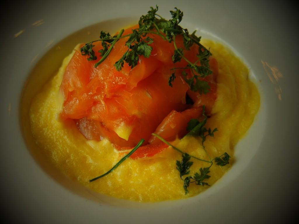 Oeuf poché au saumon © GP