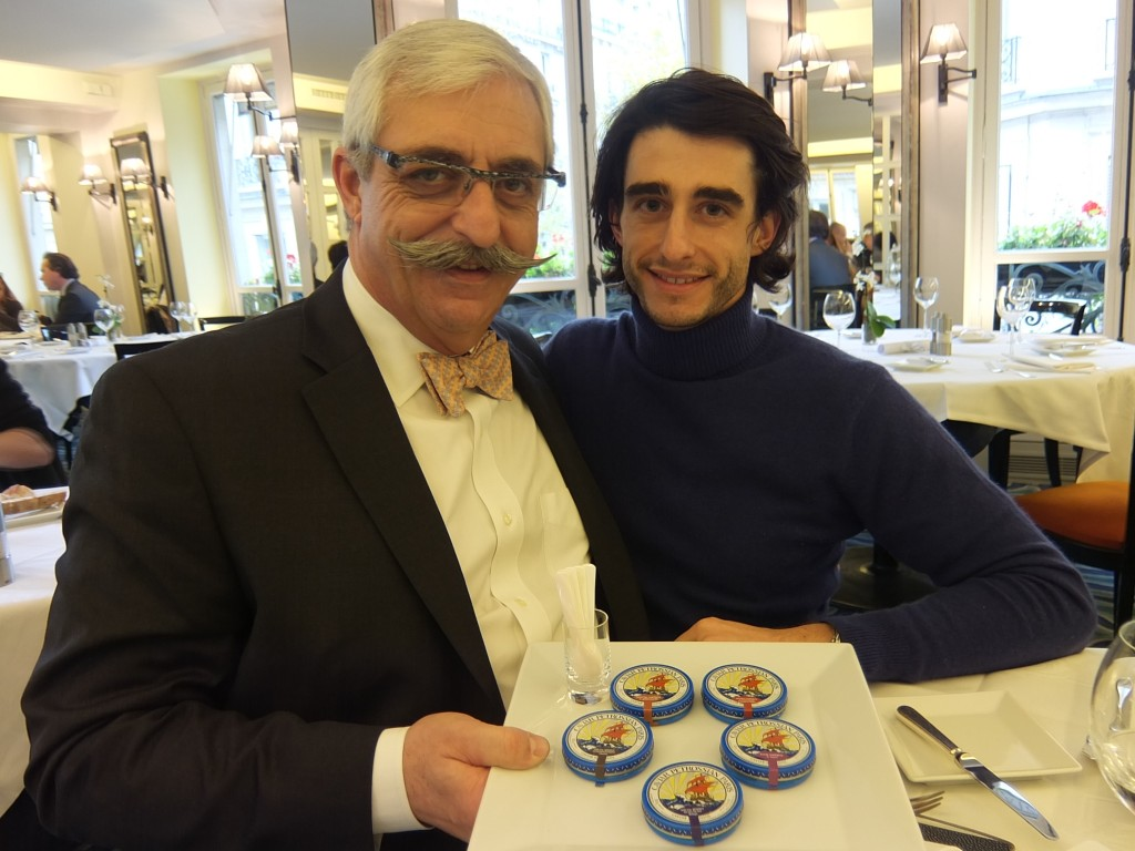 restaurant petrossian le 144 restaurant paris 7e caviar chez petrossian produits. Black Bedroom Furniture Sets. Home Design Ideas