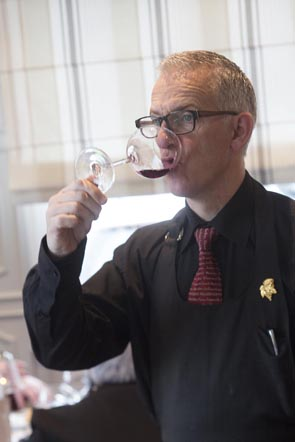 Service du vin © Maurice Rougemont