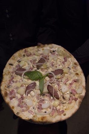 La pizza rustique © Maurice Rougemont