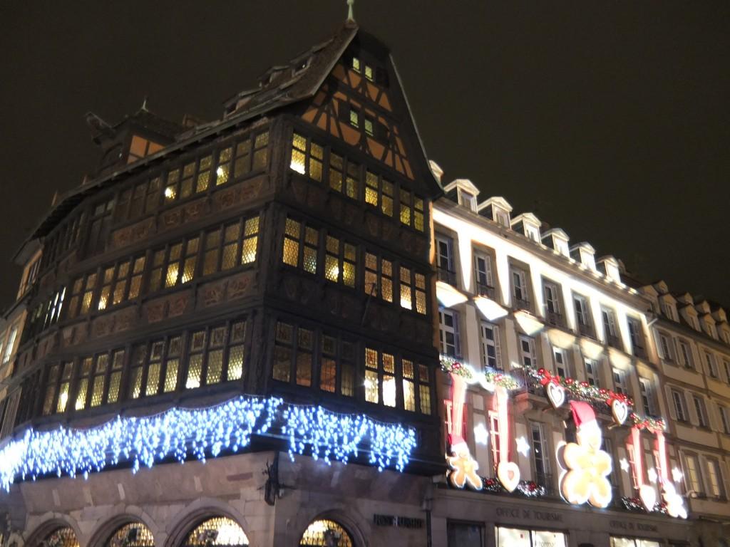 La Maison Kammerzell en habit de Noël © GP