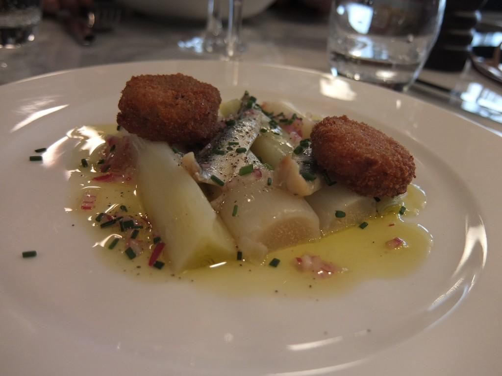 Poireaux, anchois et cromesquis © GP