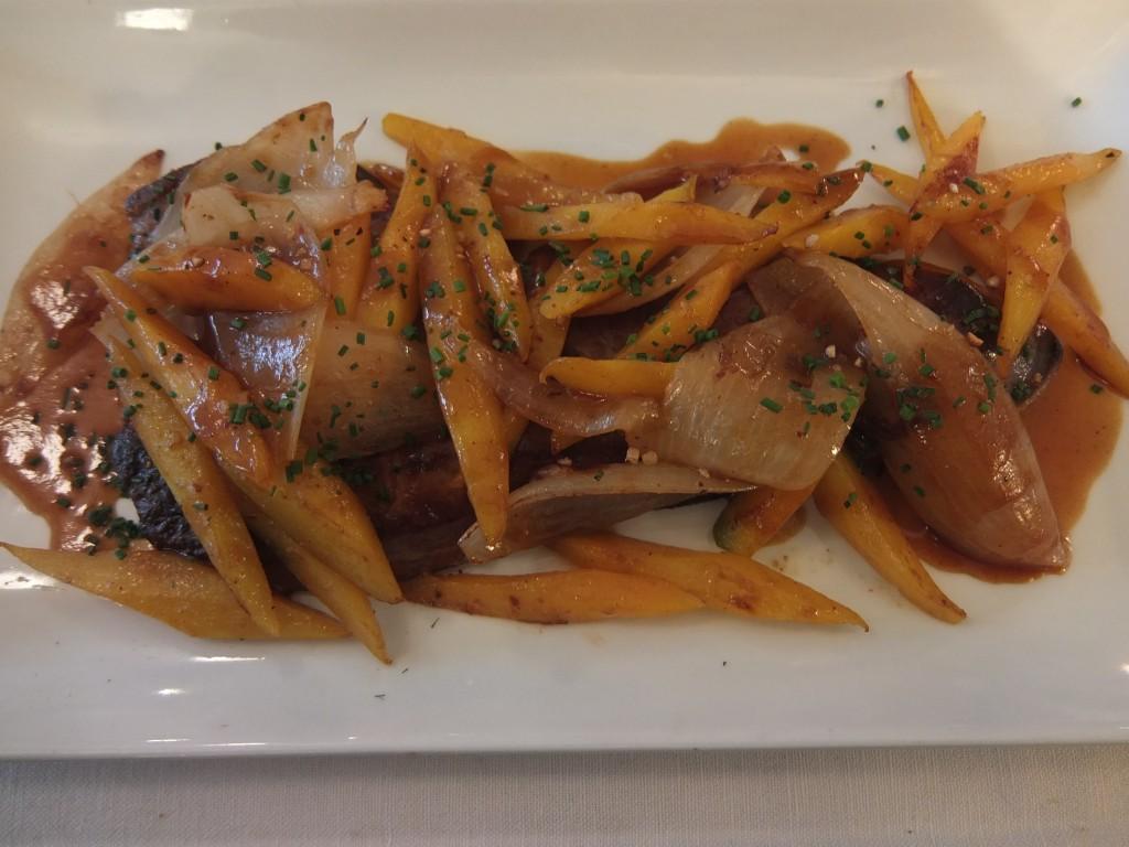 Foie de veau aux oignons et carottes © GP