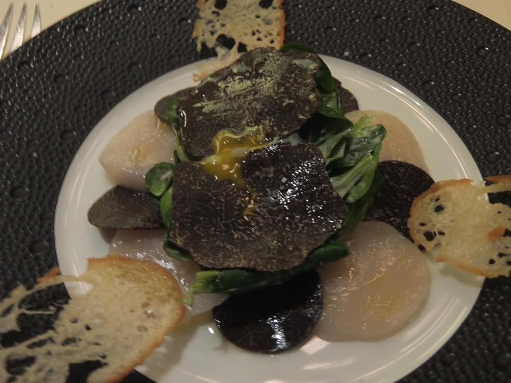 Saint-jacques, oeuf, truffe noire © GP