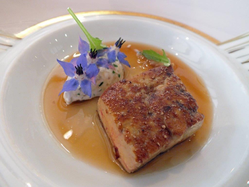 Foie frais de canard et tartare d'huitre ©AA