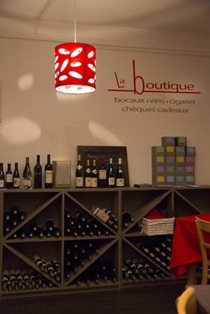 Les bouteilles © Maurice Rougemont