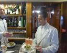 Le service du Bellini au  bar © GP