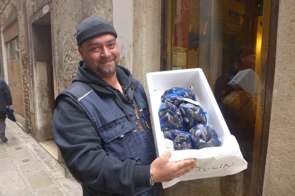 Le fournisseur de coquillages © GP