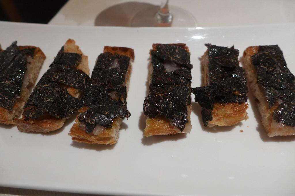 Toasts aux truffes et lard de Colonnata © GP