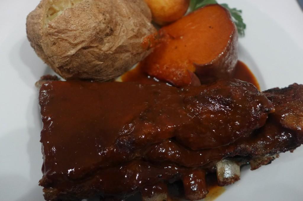 Travers de porc sauce barbecue © GP