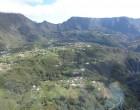 La Réunion: vol au dessus d'un nid de volcans
