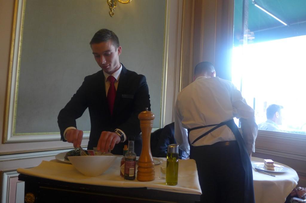 Préparation du tartare à la table © GP