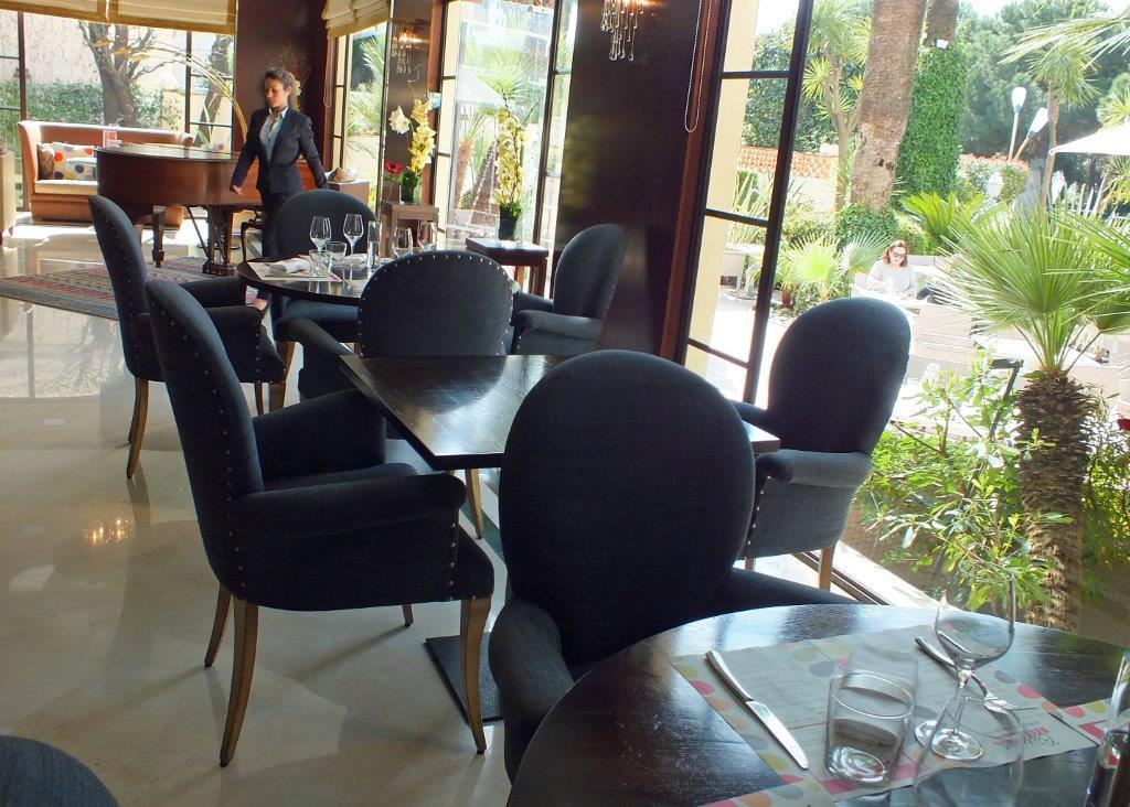 Lounge bar et terrasse © AA