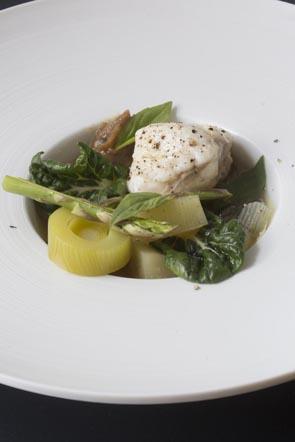 Lotte au bouillon phô ©Maurice Rpugemont