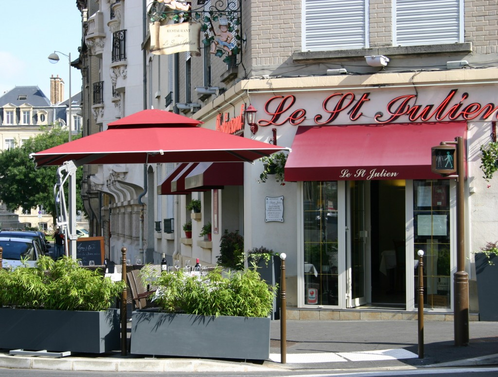 Le saint julien restaurant reims au saint julien le - Le jardin reims restaurant ...