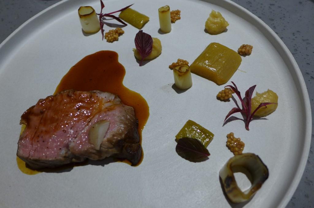 Cochon, poireau, rhubarbe © GP