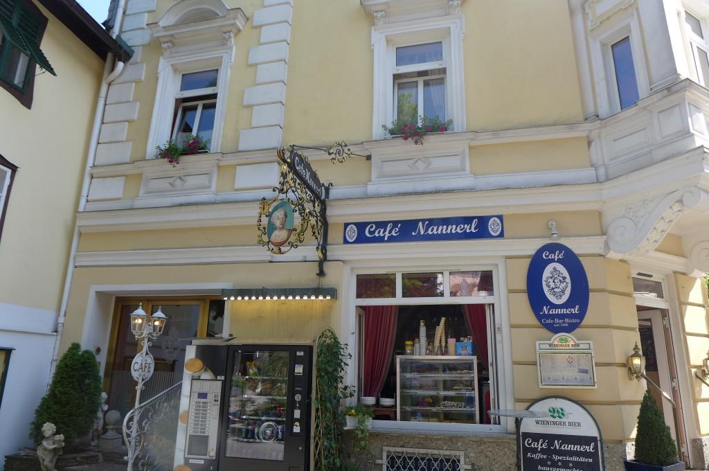 Un café dédié à Nannerl © GP