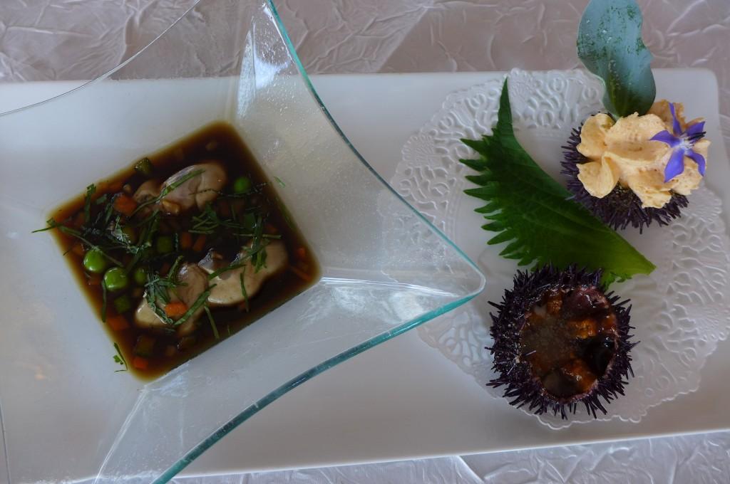 Langues d'oursin au bouillon thaï, huîtres pochées ©GP