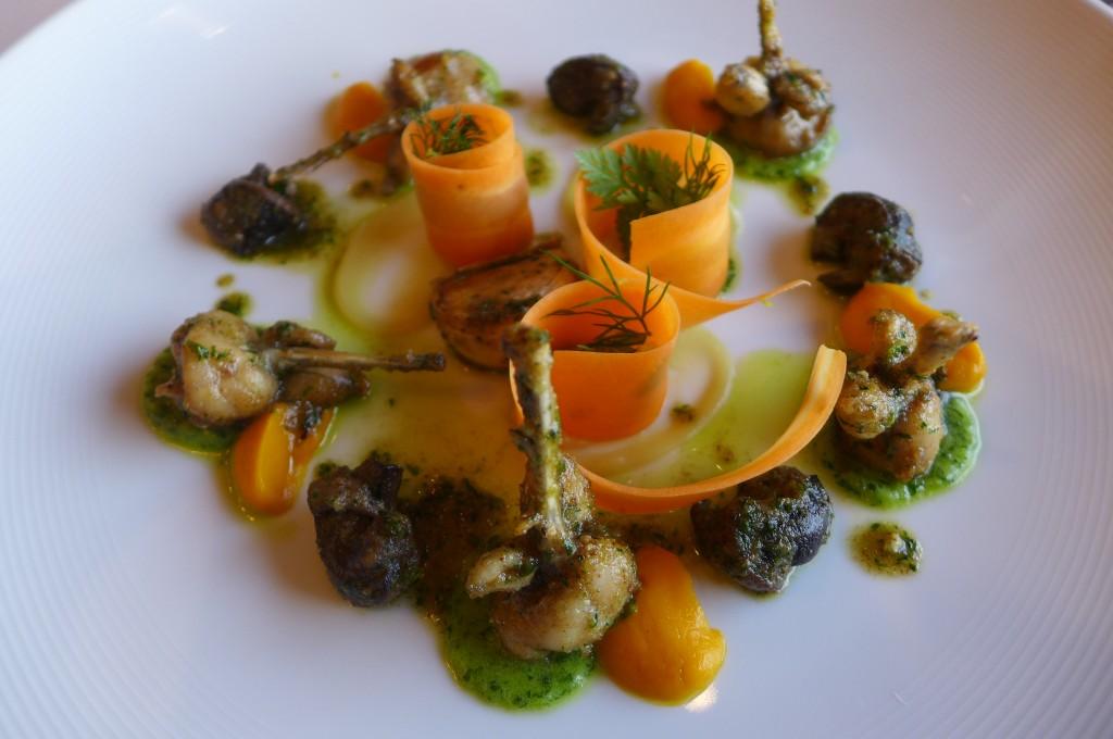 Grenouilles et escargots persillés © GP