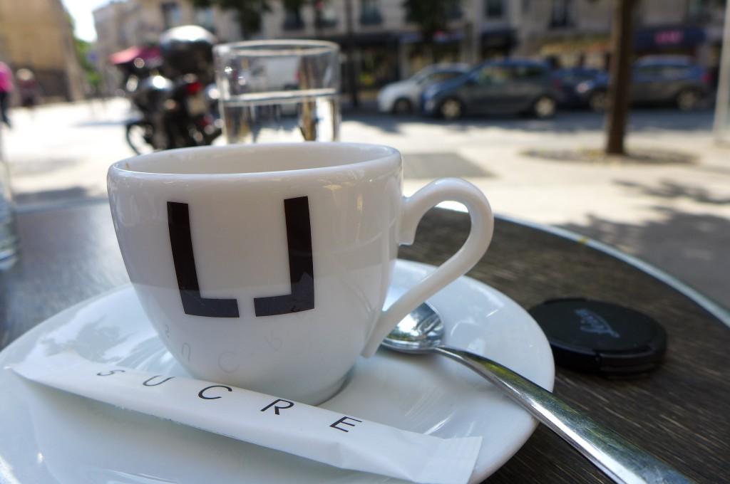 Un café en terrasse © GP