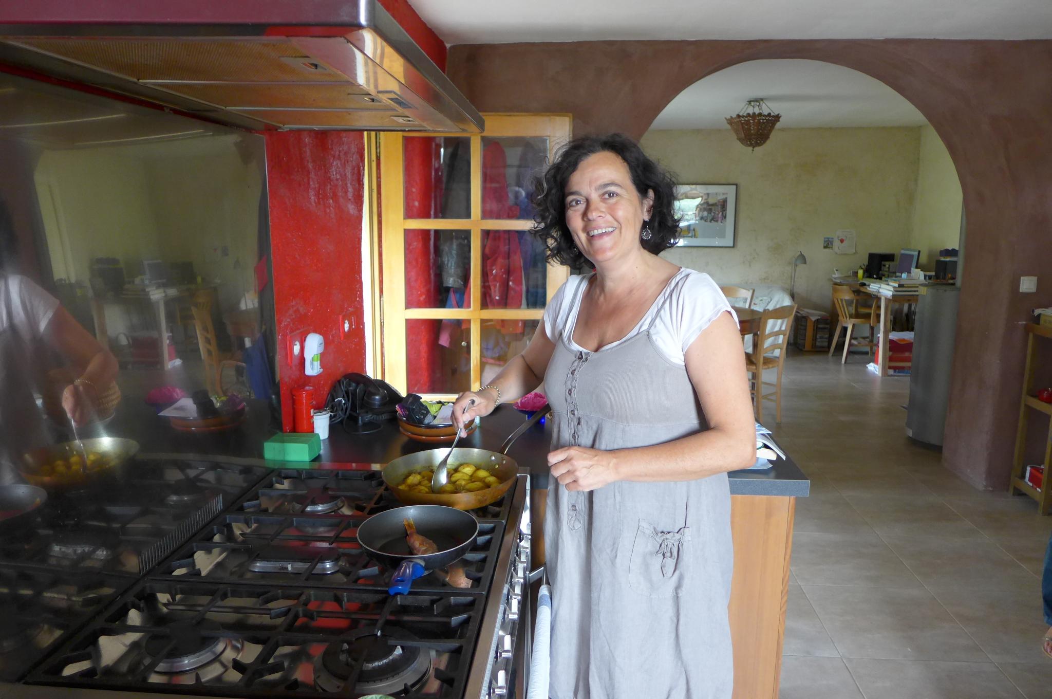 la cuisine d edith cours de cuisine saint andr de cruzi res restaurant edith et sa cuisine. Black Bedroom Furniture Sets. Home Design Ideas