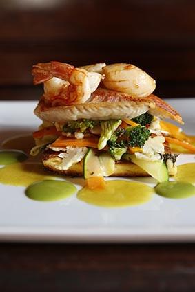 Méli-mélo de poissons et crustacés © Maurice Rougemont