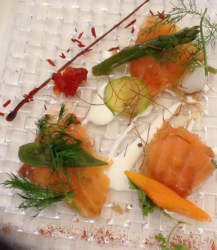 Petits pannequets de homard en fines feuilles de saumon © SK
