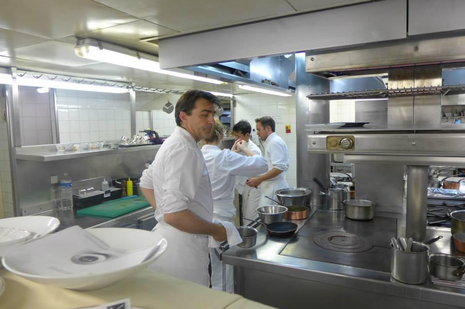 Yannick Alléno en cuisine © GP